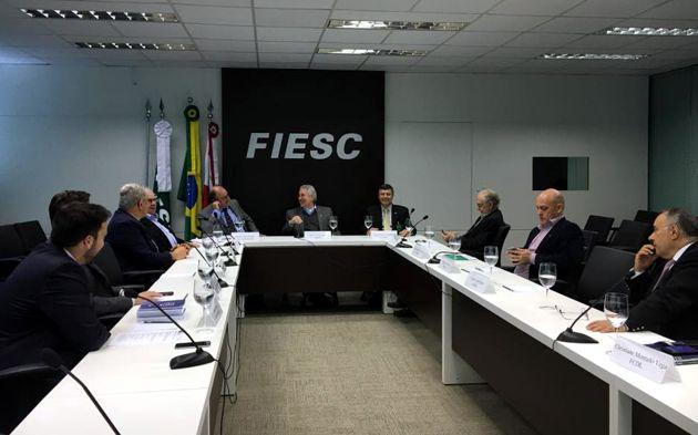 Cofem alinha pauta para reunião com deputados em Brasília