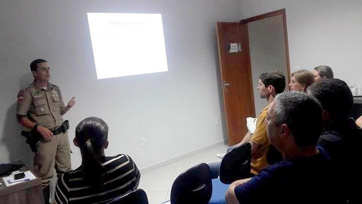 Segurança pauta palestra da CDL Santo Amaro da Imperatriz   FCDL 80570584d2